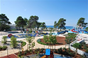 Apartmány Zaton Holiday Resort 3*